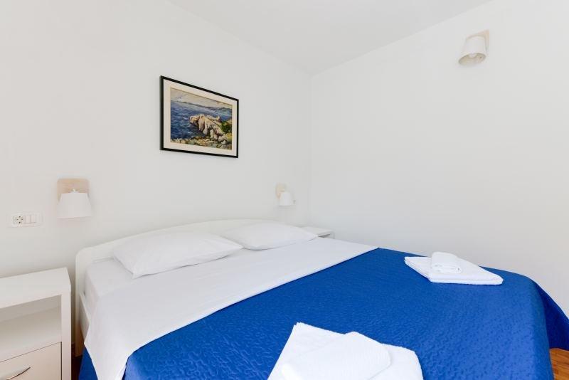 Room1 (4)